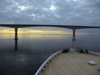 Approaching-Confederation-Bridge-Prince-Edward-Island