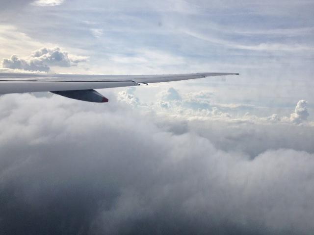 "<img src=""1630d-photo2-2.jpg"" alt=""Flight to Singapore"" />"