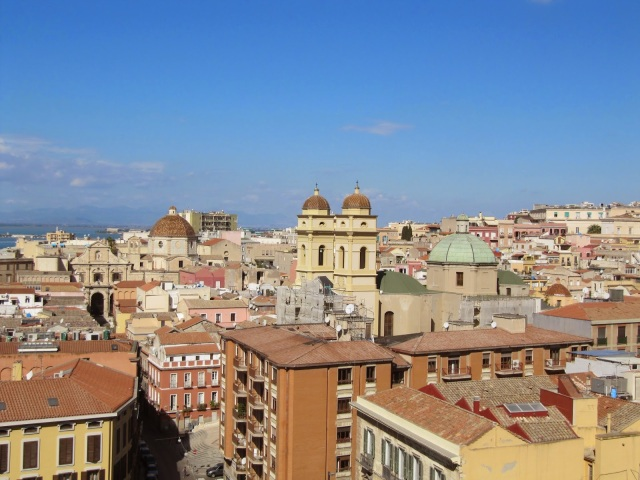 "<img src=""50cfb-img_5684.jpg"" alt=""Castello Old town Cagliari"" />"