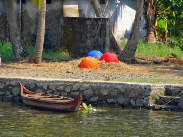 "<img src=""7578c-dsc02015.jpg"" alt=""Boat Kerala Back water Kochi India"" />"