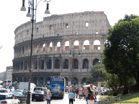 """<img src=""""img_2391.jpg"""" alt=""""Colosseum Rome"""">"""