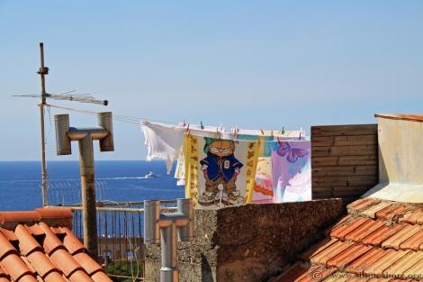 "<img src=""img_1200_web.jpg"" alt=""Dubrovnik Rooftops"" />"