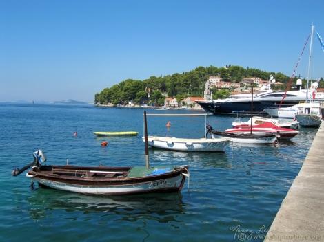 """<img src=""""img_2008_web.jpg"""" alt=""""Cavtat Harbor Croatia"""">"""