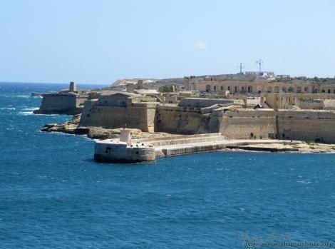 "<img src=""img_2564.jpg"" alt=""Old Harbor Valletta Malta"" />"