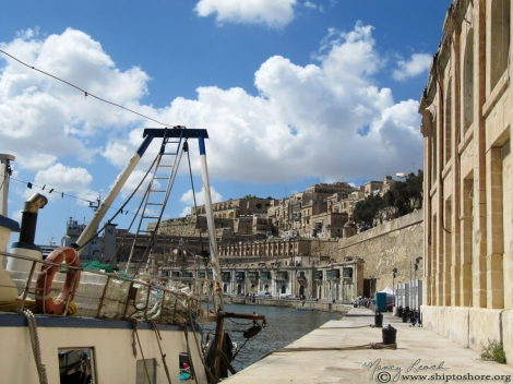 "<img src=""img_2587.jpg"" alt=""Waterfront Valletta Malta"">"