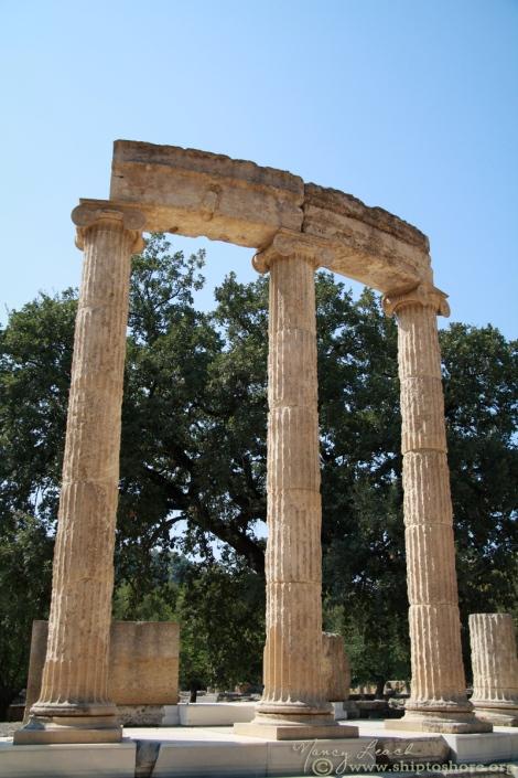"<img src=""ruinsofthephilippeion.jpg"" alt=""Ruins of the Philippeon"" />"